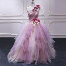 Dramatik karışık renk balo balo kıyafetleri bir omuz el yapımı çiçekler Homecoming elbise Lush tül akşam parti örgün önlük
