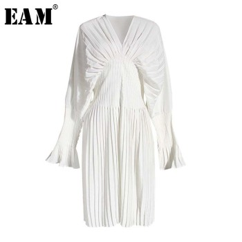 [EAM] Women White Pleated Split Big Size Long Blouse New V-collar Long Sleeve Loose Fit Shirt Fashion Spring Summer 2020 1W326