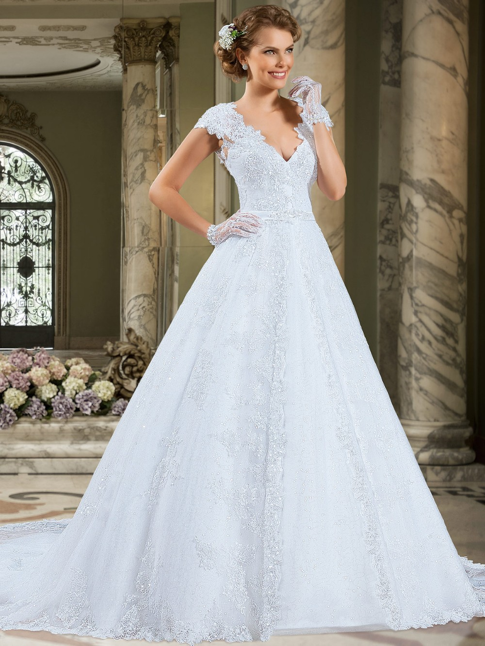 Stunning A-Line V-Neck Cap Sleeve Vintage Lace 2018 Hot Sweetangel Robe De Mariage Vestido De Noiva Mother Of The Bride Dresses