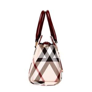 Image 2 - Tasche frauen Vintage PVC Leder England Stil Weibliche Handtasche Mode Kette Bolsa Feminina Casual Outdoor Frauen Taschen 2020