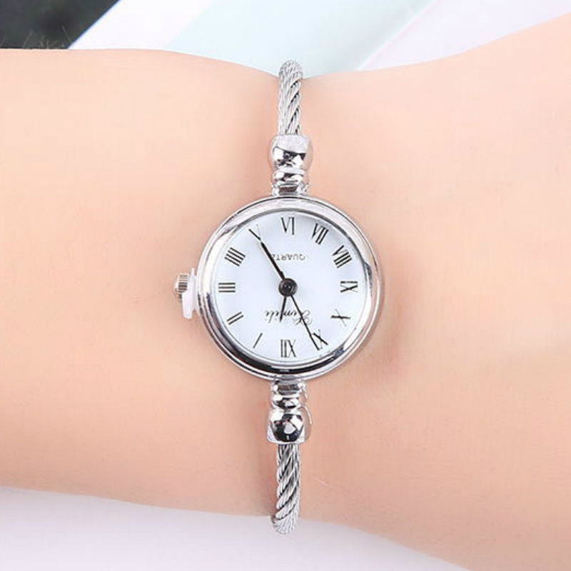 New Sen Joker Character Bracelet Watch Beautiful Pure And Fresh And Owl. Lady Figure Students Watch Female Gold Shell