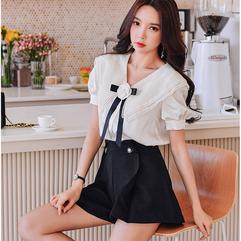 Dabuwawa Sweet Turn-down Collar Blouse Women Puff Sleeve Appliques Floral Bow Solid Casual Shirts Tops Female DT1BST021
