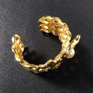 Image 3 - Quente da cor do ouro do vintage faraó egípcio design jóias besouro pulseira grande pulseira manguito quente marca jóias de cobre