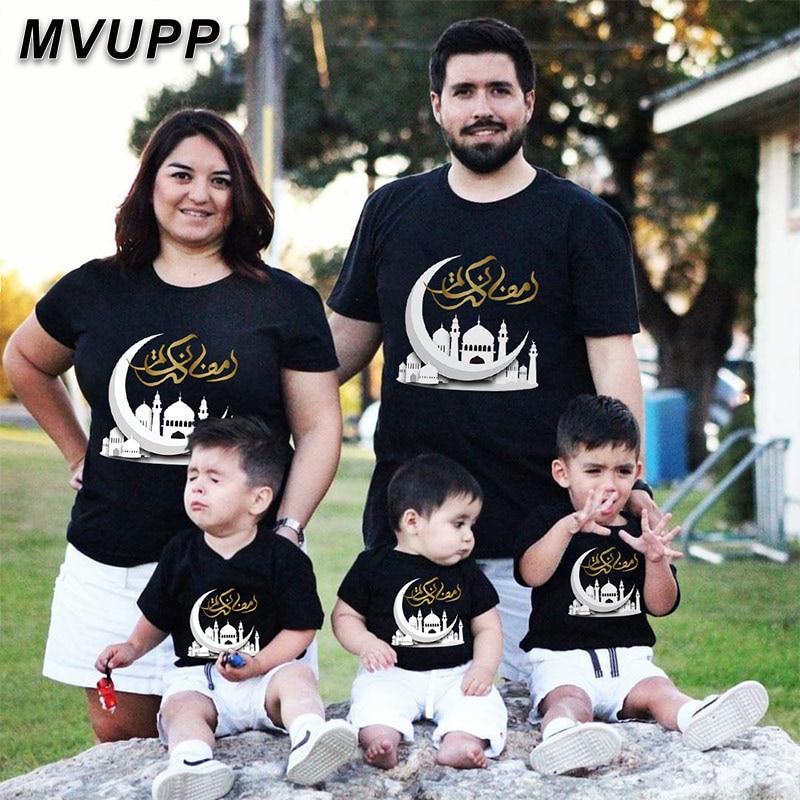 Одежда для всей семьи, одежда для мамы и доутера, классические черные хлопковые короткие футболки Рамадан с серебряной луной, одежда с корот...