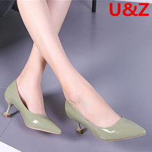 Bridesmaid shoes women kitten heels,Nude/Black patent leather middle heels young ladies simple pointy toe pumps 5cm office shoes(China)