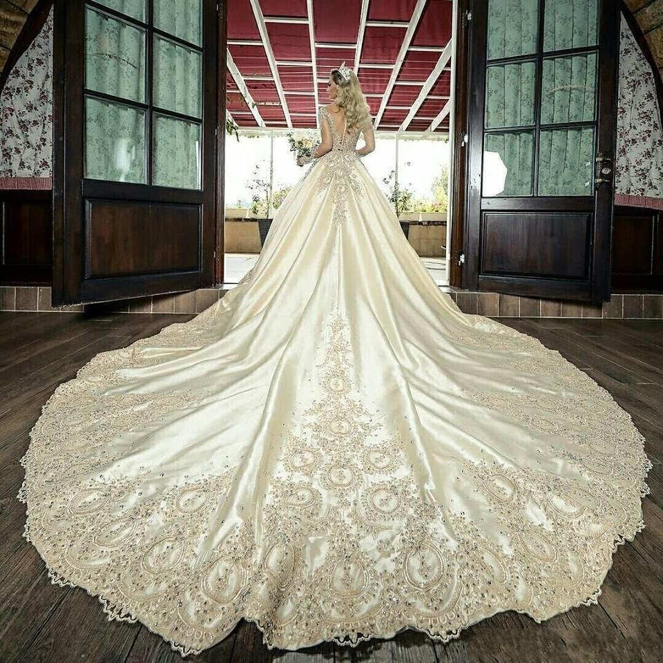 2020 Vintage Sheer Long Sleeves A-line Wedding Dresses Lace Appliques Beaded Bridal Gowns Long Garden Robe De Marriage Custom