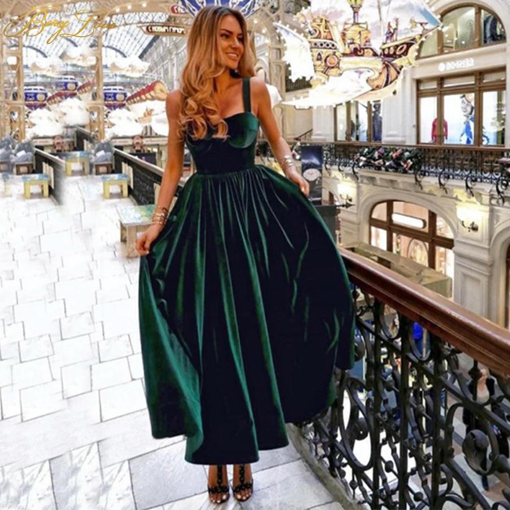 BeryLove Emerald Green Velvet Prom Dress 2020 Simple Straps Formal A Line Party Dress Plain Short Evening Dress Zipper Up Back