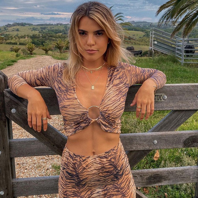 CNYISHE Sexy V-neck Two Piece Set Women's Tracksuit Fashion Tiger Print Crop Tops And Long Loose Skirts Matching Set Female Suit 3