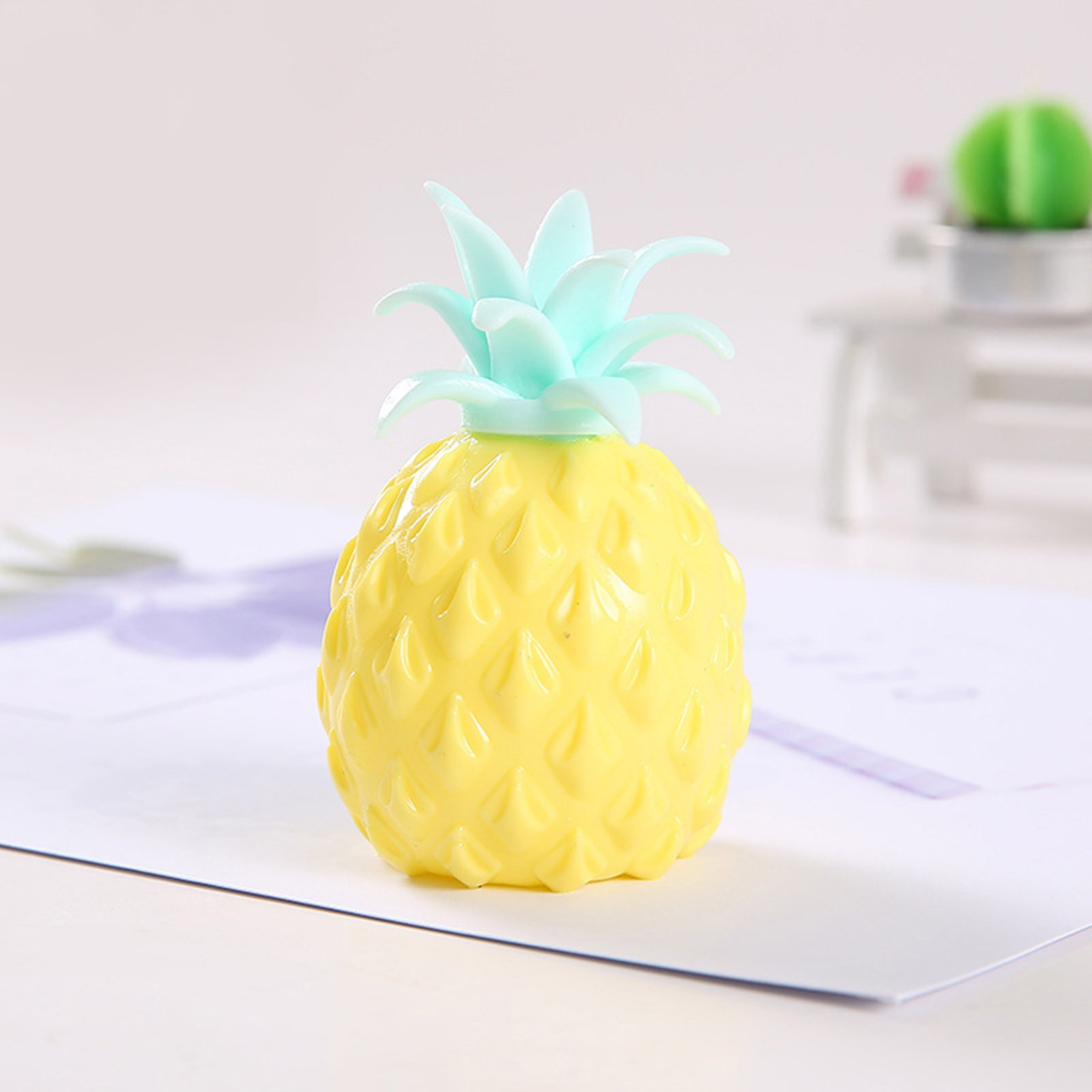 2021 Fidget Toys New Simulation Flour Pineapple Decompression Toy Office Pressure Release img3