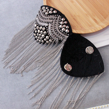 2Pcs Personality Stage nightclub hosted banquet shoulder jewelry epaulettes Retro small western assembled brooch tassel patch