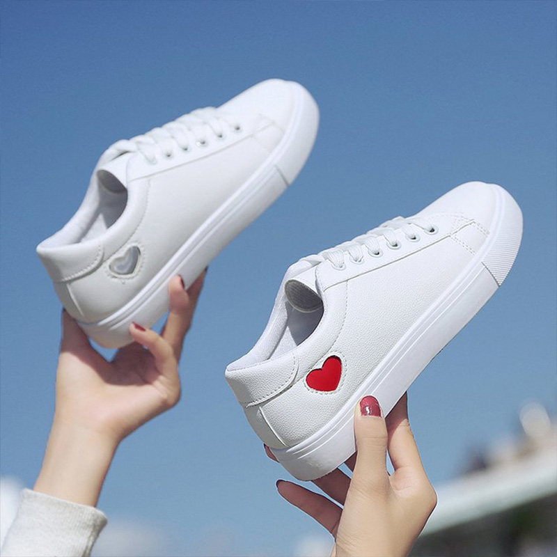 2019 Autumn Woman Shoes Fashion New Woman PU Leather Shoes Ladies Breathable Cute Heart Flats Casual Shoes White Sneakers 2