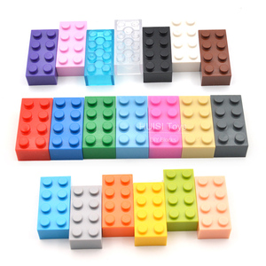 100PCS/Lot Kids DIY Toys 2*4 Plastic Building Blocks 2x4 Assemble Educational Learning Girls Boys Toys compatible with legoes(China)
