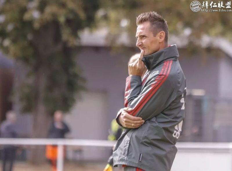 官宣:克洛泽正式加入拜仁一线队教练组!2