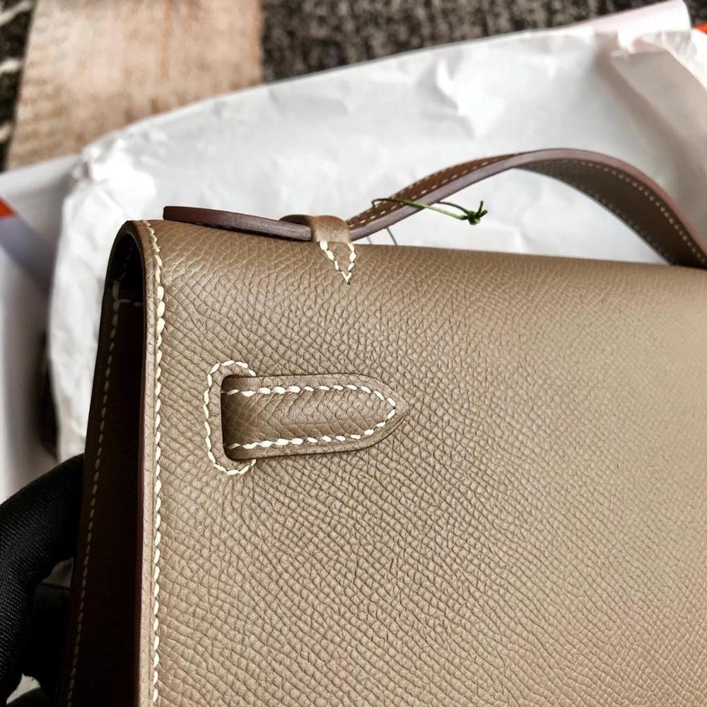 คุณภาพสูงสุภาพสตรีแฟชั่นกระเป๋าถือคลาสสิก 100% หนังยี่ห้อที่มีชื่อเสียงสุภาพสตรี กระเป๋าถือฟรีเรือ-ใน กระเป๋าหูหิ้วด้านบน จาก สัมภาระและกระเป๋า บน   3