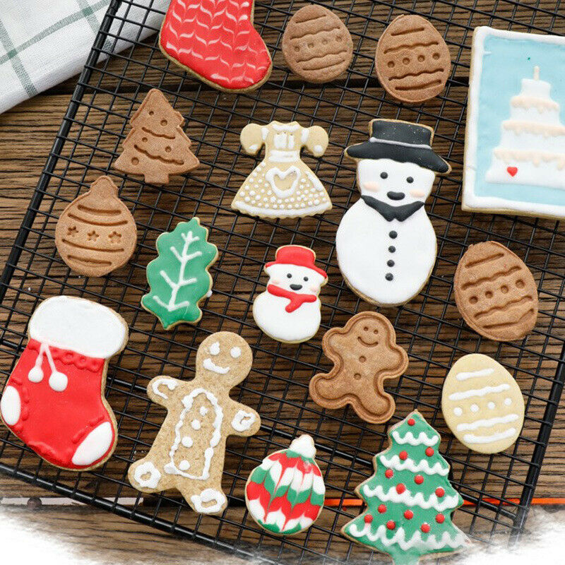 New 4Pcs Christmas Cookie Biscuit Plunger Cutter Mould Fondant Cake Mold Baking