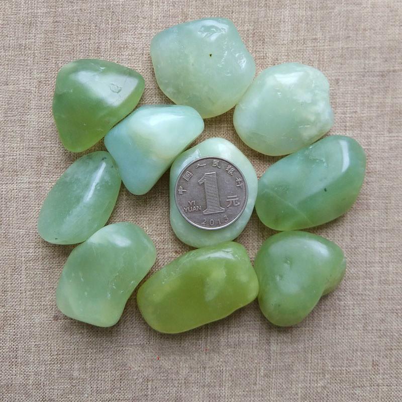 100g Natural stone original ornaments gravel jade large