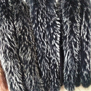 Image 3 - Qearlstar 2019 Echt Waschbären Pelz Kragen Schwarz Pelz Schal Frauen Winter Mantel Parka Jacken Echtpelz Haube Trim Kragen 70*12cm Zxx122
