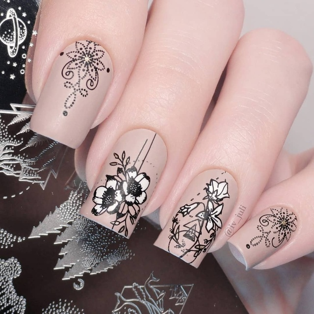 NICOLE DIARY Lace Flower Animal Nail Stamping Plates Marble Image Stamp Templates Geometric  Printing Stencil Tools 4
