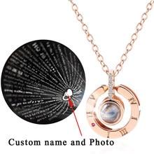 Collier ras du cou personnalisé avec nom et Photo, Projection en 100 langues différentes, pendentif en cristal pour amoureux, bijoux cadeau