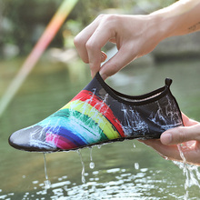 Hot Sale Summer Swimming for Couple Light Weight Mens Shoes Sports Shoes Beach Activities Women Sneakers Slip-On Mens River Shoe