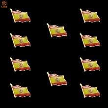 Broche con forma de bandera de la copa mundial de fútbol de españa, broche con forma de bandera, Metal chapado en oro, lazo de la solapa, Pin de recuerdo con distintivo, 10 uds.