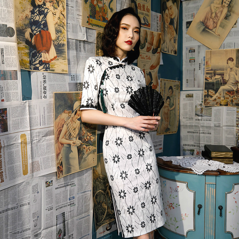 Ladies White Lace Cheongsam Dresses Party Traditional Chinese Dress Improved Clothing Lace Flowers Patters Qipao Young Girls 20S