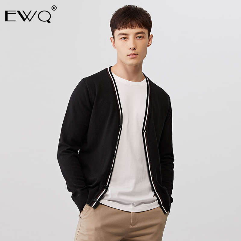 EWQ / Men's Wear 2020 autumn fashion new Knitting Cardigan Male casual hit Color Male Type Sweater Loose Coat high quality 9Y773