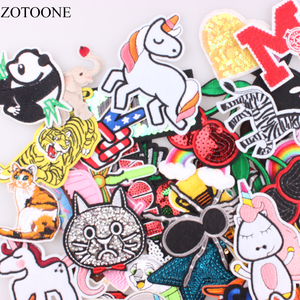 Image 2 - Zotoone 30 Stks/partij Willekeurige Mode Patches Voor Vrouwen Mooie Meisjes Kids Ijzer Op Patch Voor Kleding Applique Sticker Diy Accessoire E