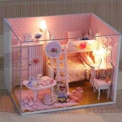 Miniatura Super Tamanho Mini Doll House Modelo de Construção Kits Brinquedos Móveis de Madeira DIY Casa De Bonecas Quarto Menina Rosa Do Coração Da Menina