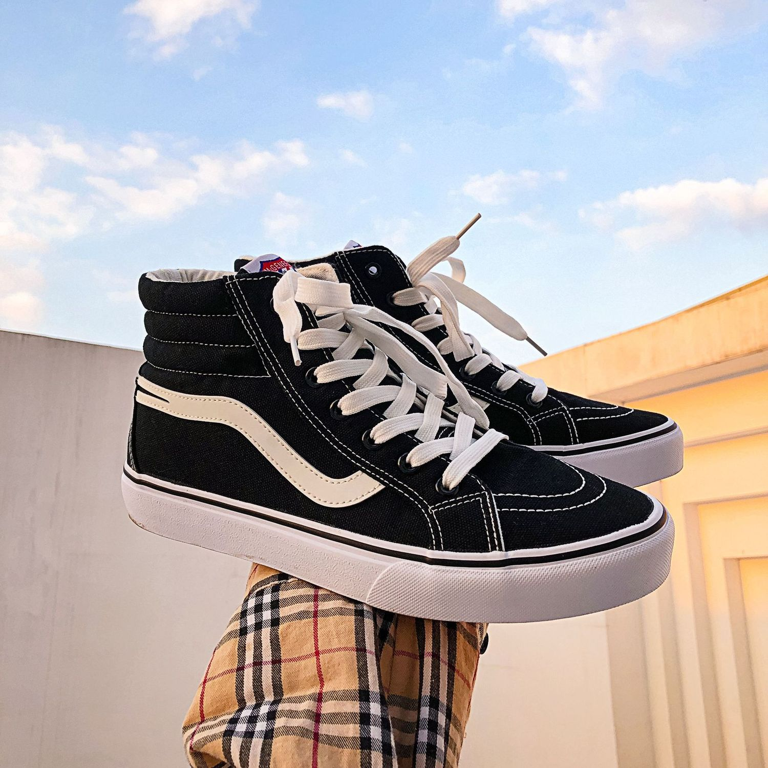 Black And White Classic Canvas Shoe Tide Male Shoe Student Ulzzang 2020 Ins Skate Leisure Shoes Woman High Top Sneakers Men S