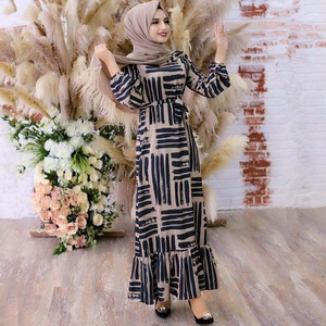 Maxi Dress Elegant Women Fashion Geometric Print O Neck Lantern Full Sleeve Ruffles Hem Dress Long Muslim Clothing Eid