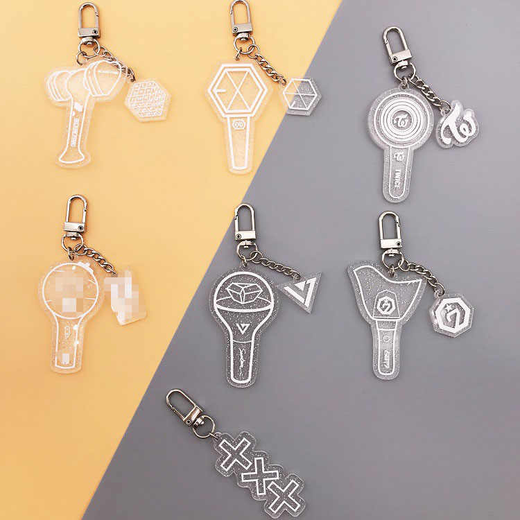 KPOP Keychain BLACKPINK EXO GOT7 TWICE SEVENTEEN TXT Key Chains Glitter Acrylic Keyring Accessories Jewelry Gift for Women Fans