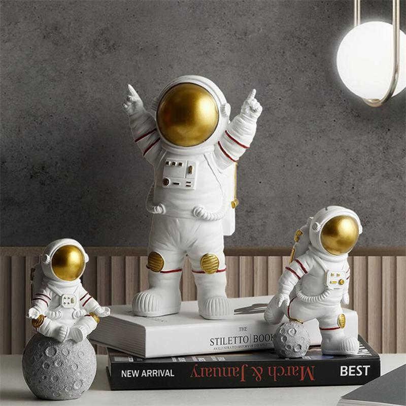 Statua di astronauta europea personaggio domestico scultura cosmona eroe ufficio Decor miniature modello figura creativa figurine artigianato