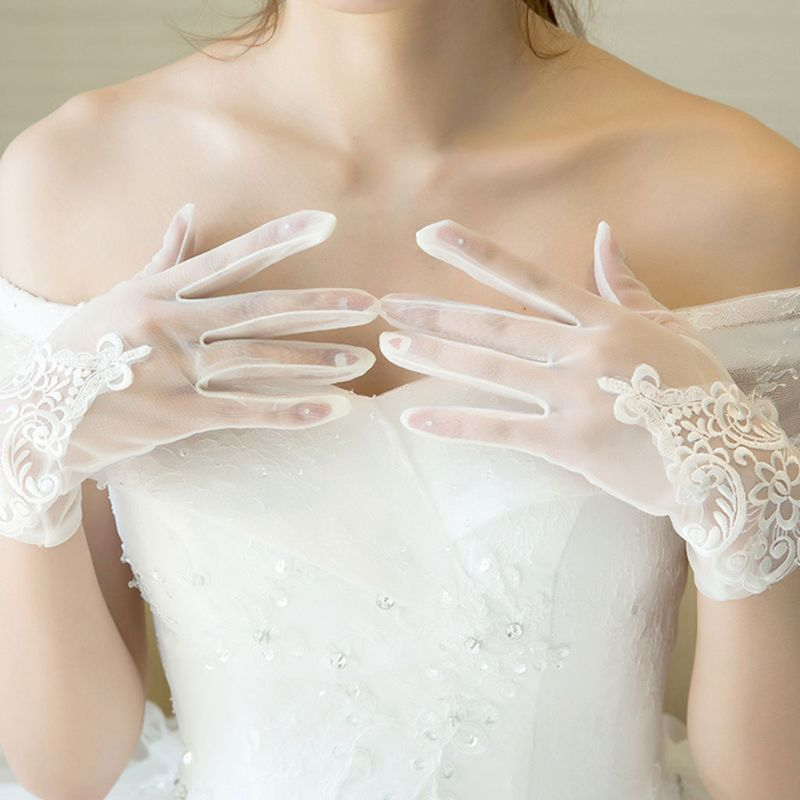 Glamour Bride Dress Gloves Lace Short Paragraph Mittens Wedding Dresses Accessories Charming Lady Women Glove With Fingers E15E