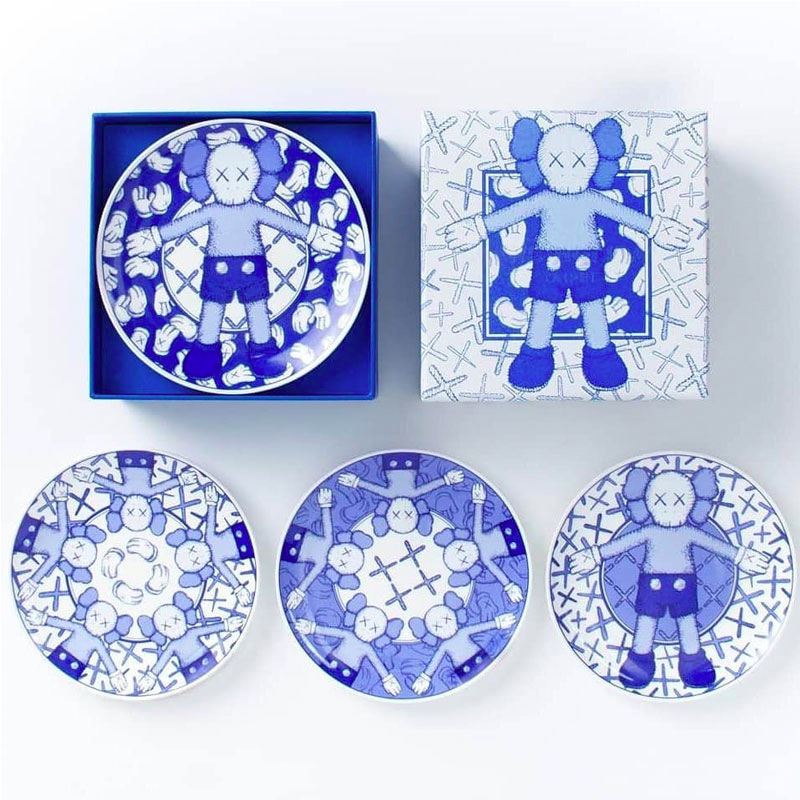 Holiday TAIPEI Four blue and white porcelain dishes 6 inch New in Box(China)