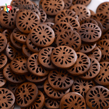 30/60/90/120Pcs Hollow Chrysanthemum Flowers Wood 18mm Large Round Wooden Buttons Handwork Decorative For Clothing Accessories