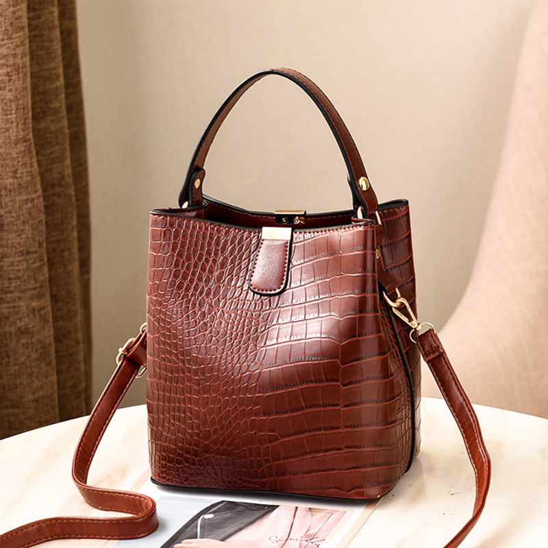 H03b76c811d304a2b8adc27e5a540bf3am - Women's Handbag | Retro Alligator