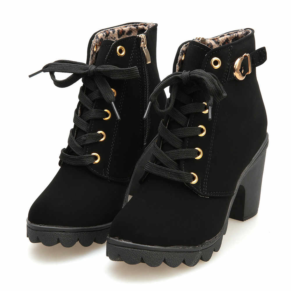 Kadın rahat Mujer kadın yarım çizmeler çizmeler kadın 2019 yeni yüksek topuk ayak bileği bağcığı botları bayanlar toka platform ayakkabılar dropship