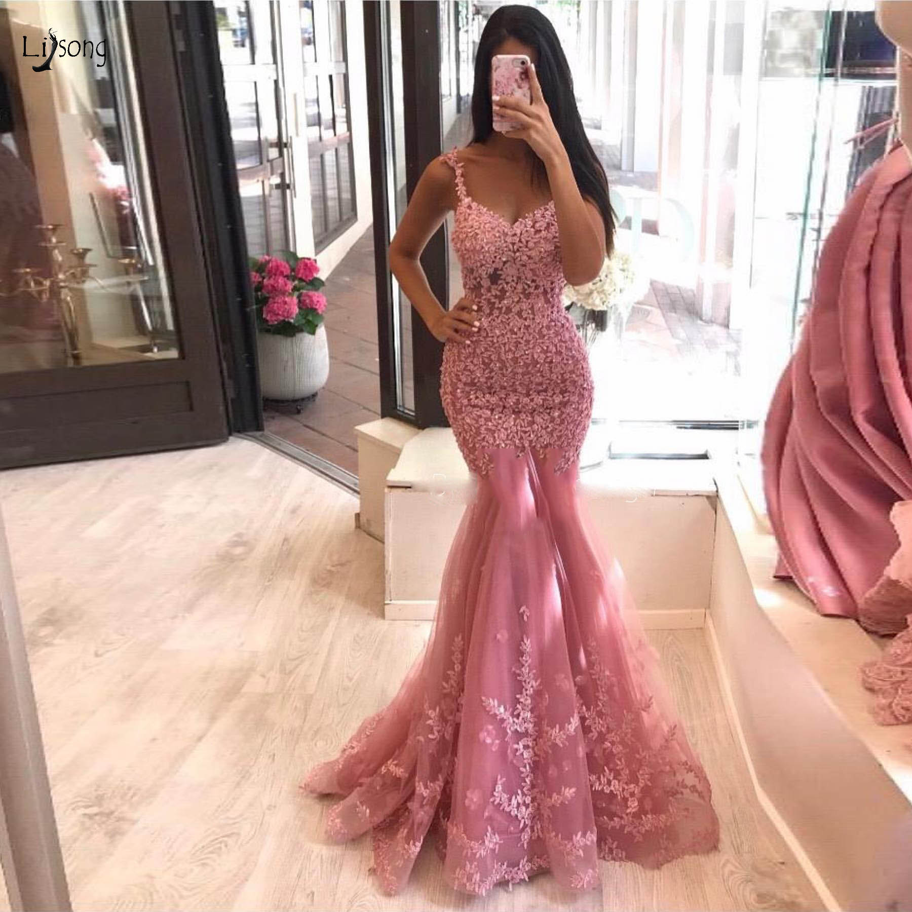 Elegant Coral Red Lace Mermaid   Evening     Dresses   Beaded Appliques Long Prom Gowns Custom Made Party   Dresses   Abendkleider 2019