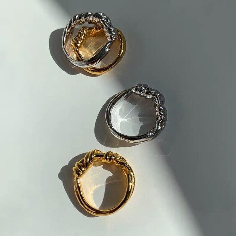 Купить корейские модные витые кольца золотистого и серебряного цвета