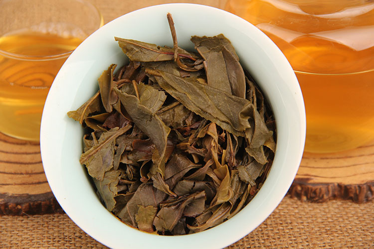 357g China Yunnan Raw Tea Ancient Tree Pu'er Tea Linyi Gold Leaf Green Food for Health Care Lose Weight 4