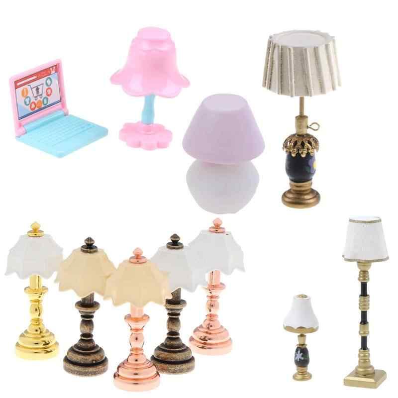 1 Pcs 1:12 Miniatur Meja Lilin Retro Lampu Minyak Tanah Rumah Boneka Aksesoris Furnitur Rumah Boneka Mainan Lampu Dekorasi