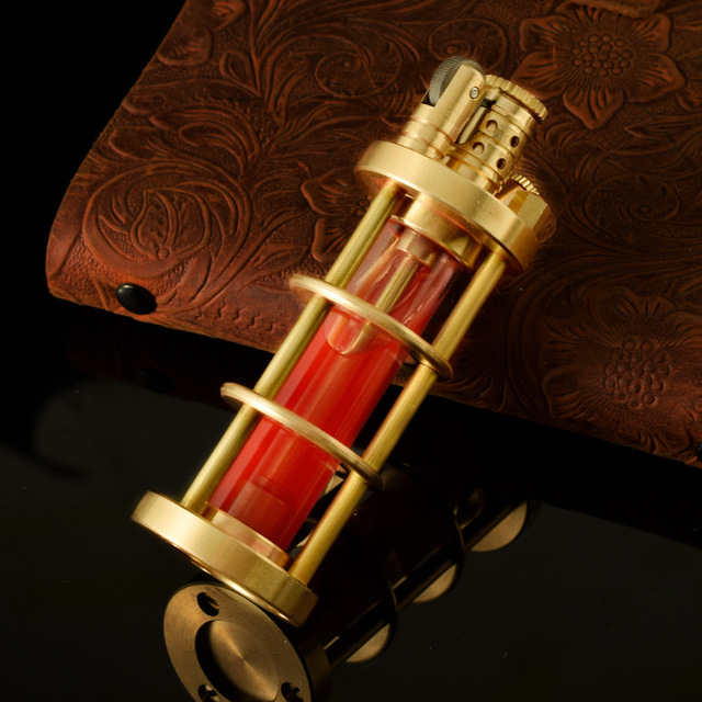ретро чистая латунная зажигалка ветрозащитная кремневая огнеупорная фотография