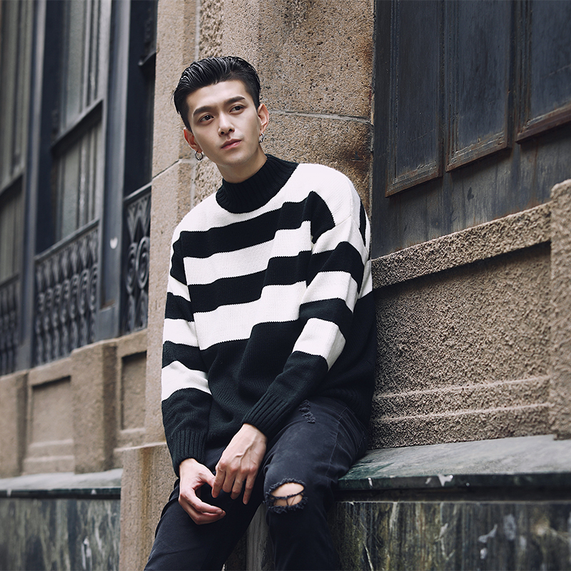 Contrast Stripe Turtleneck Men Sweater Pull Homme Hiver Black White Green Grey Christmas Sweater Men Korean Men Fashion Clothing