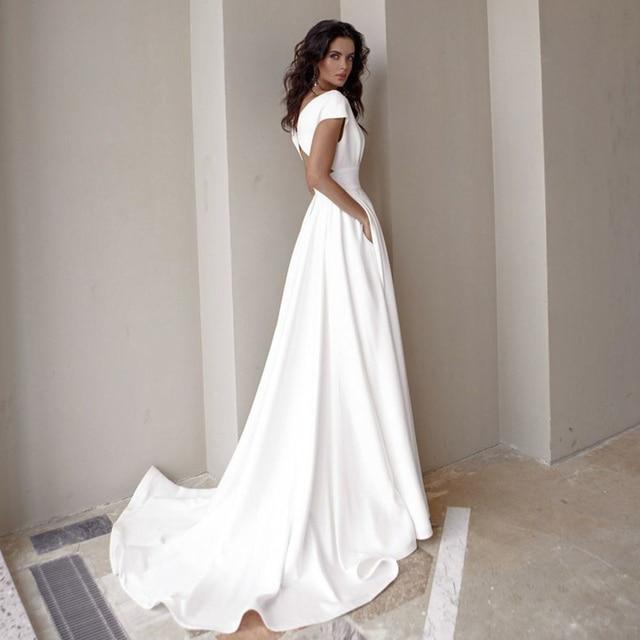 Modesto vestido de noiva com decote em v 2021 moda manga curta varredura trem fenda uma linha vestido de noiva com bolsos 2