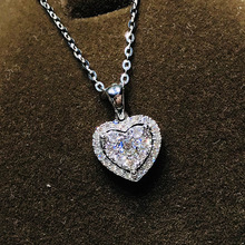Luxury Silver Plated Crystal Pendant Necklace Romantic Charming Heart Cut White Zircon Necklace Wedding Engagement Women Jewelry