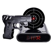 אקדח שעון מעורר גאדג ט יעד לייזר לירות לצריבה דיגיטלי אלקטרוני שולחן שעון שולחן שעון מצחיק שעון נודניק לילדים