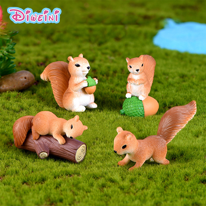 4pcs Love Squirrel Animal Action Figures Dollhouse Miniature Figurine Home Garden Dollhouse Decoration DIY Accessory Toy Gift