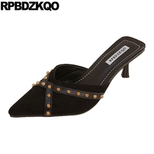 Punta scarpin remache de Otoño de las mujeres 2019 pendientes rojo barato zapatos de tacón alto zapatos de Sandalias de tacón vintage 3 pulgadas