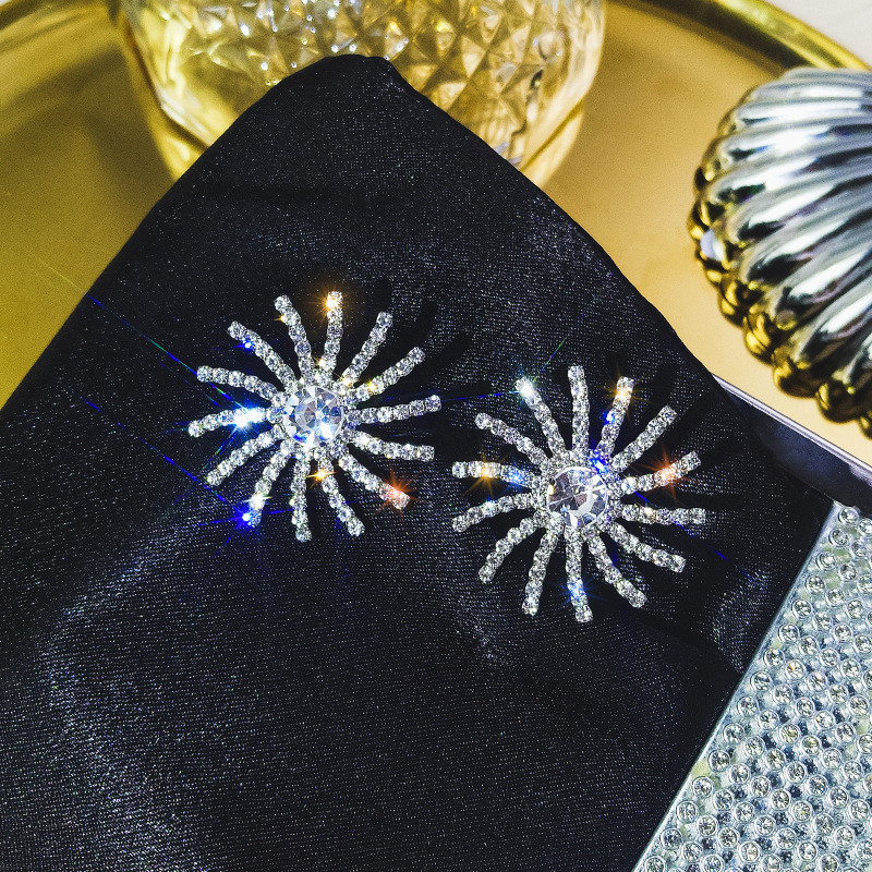 FYUAN Korea Full Rhinestone Stud Earrings for Women New Bijoux Oversize Rotary Wheel Crystal Earrings Fashion Jewelry Gifts